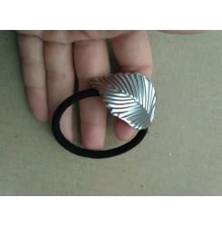 Резинка - браслет лист серебро
