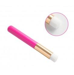 Инструмент - щеточка для очищения ресниц шампунем - пеной / малиновая